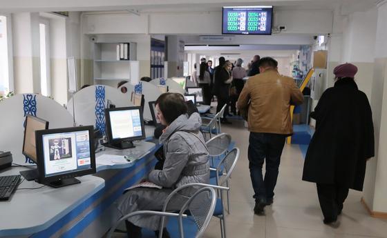 Сколько не будут выдавать водительские права в Казахстане