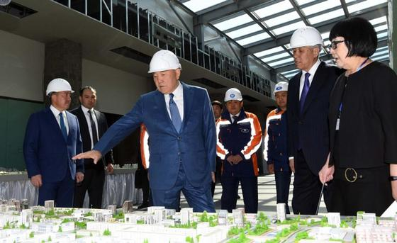 Назарбаев посетил новый физкультурный комплекс в Алматинской области