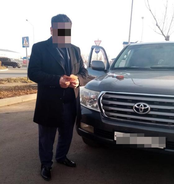 Кортеж из 60 джипов в Уральске: оказалось, что так мужчина отметил развод