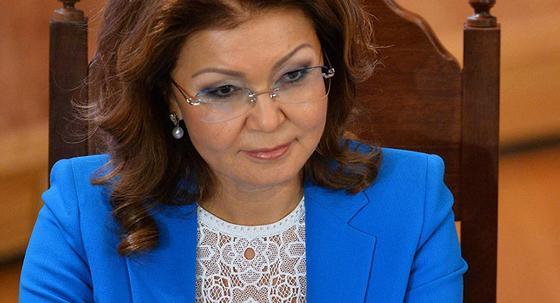 """Дарига Назарбаева: """"Традиционные СМИ вымирают, а выгоду получает интернет"""""""