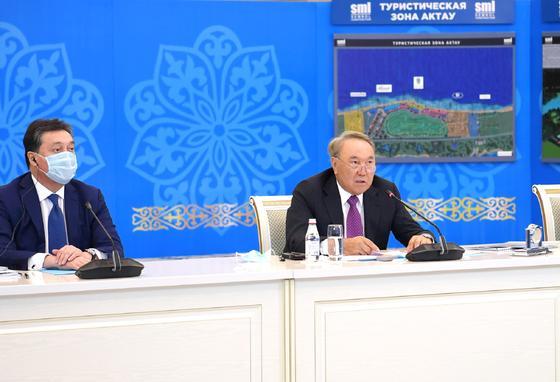 Назарбаев с Маминым