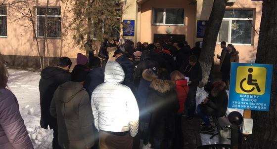 Алматинцы начали сдавать кровь для пострадавших в авиакатастрофе