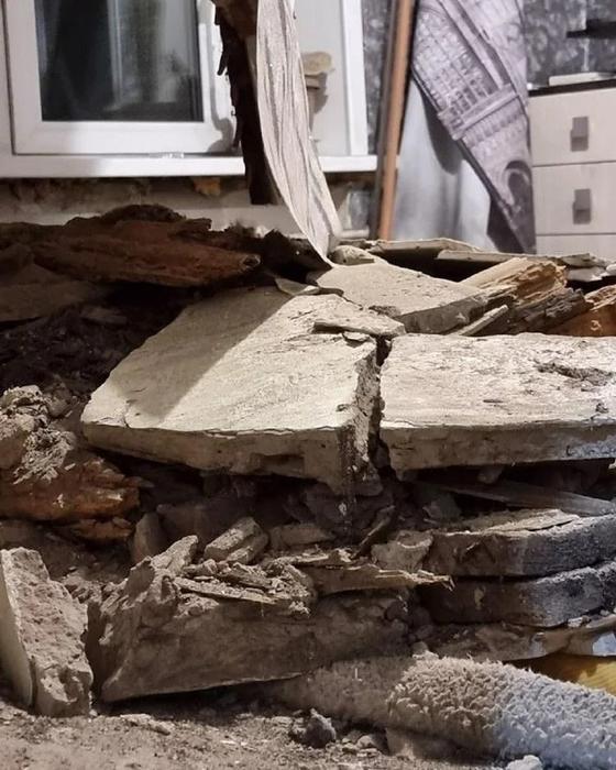 Потолок обрушился в доме в Усть-Каменогорске