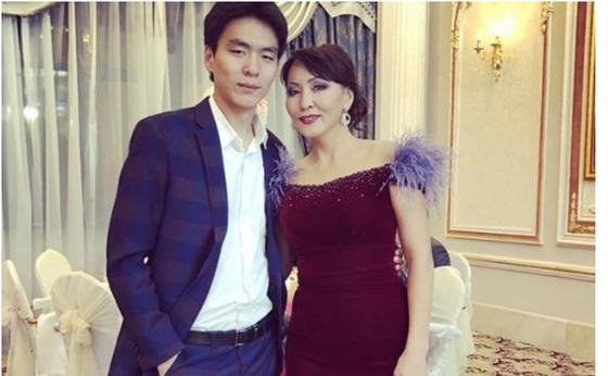 """""""Переживаю"""": сын Айгуль Иманбаевой поделился своим мнением о ее замужестве"""