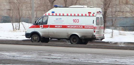 Мужчина скончался по дороге в больницу после пожара в Рудном
