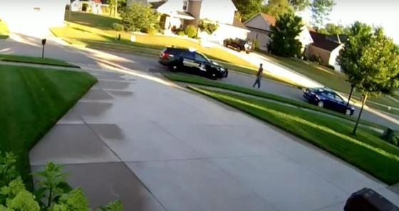 Полицейский застрелил мужчину в конфликте из-за ношения медмаски в США (видео, 18+)