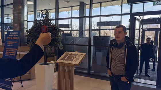 """Как будто суббота"""": что происходит в Алматы после объявления ЧП"""