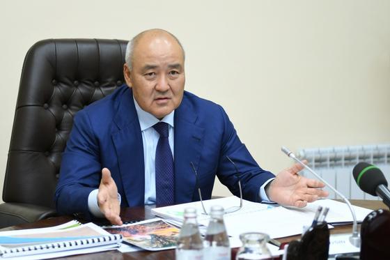 Шукеев ответил на обвинения о приеме на работу родственников