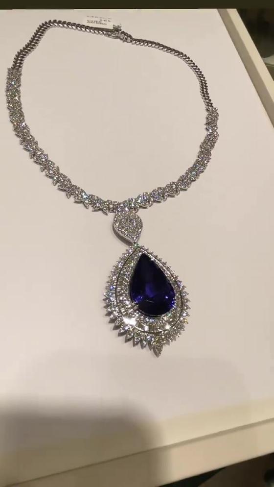 Колье из бриллиантов и танзанита