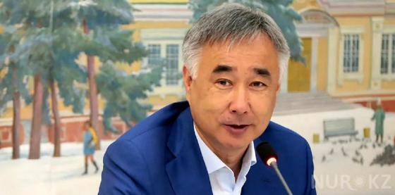 Экс-глава аэропорта Алматы поделился своим мнением о причинах крушения самолета Bek Air