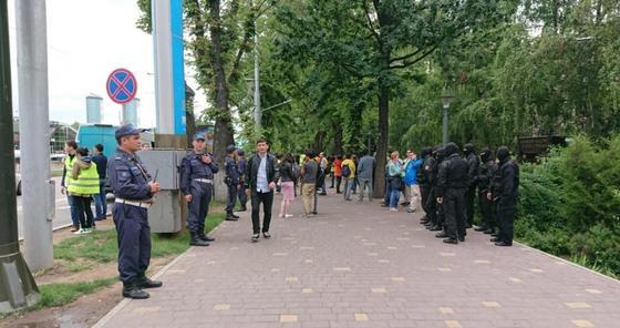 Власти Алматы разрешили митингующим собраться