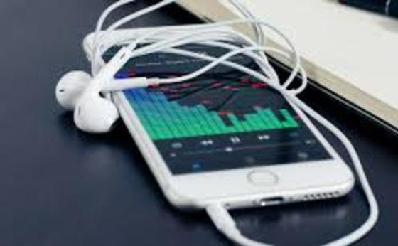 Телефоннан музыка тыңдап, ұйықтап кеткен жігіт ажал құшты (фото)