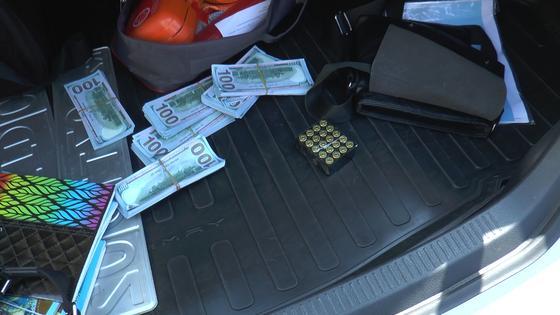 Водителя на тонированной Camry с пистолетом задержали в Алматы (фото)