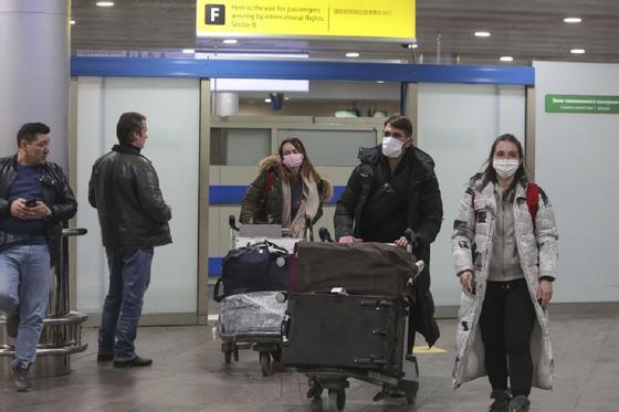 Россия до 1 мая запретила въезд иностранцам из-за эпидемии коронавируса
