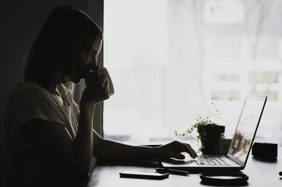 Как подать заявку на пособия по потере кормильца, не выходя из дома