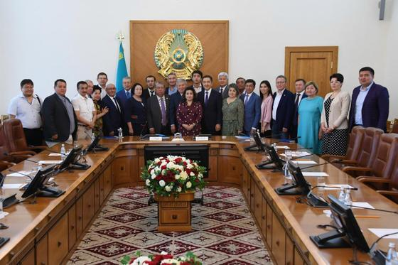 Сагинтаев провел в заседание общественного совета Алматы