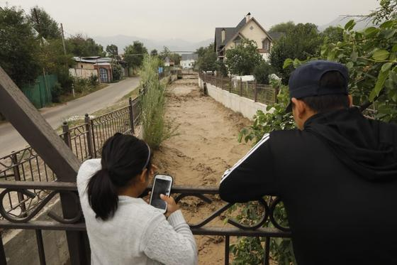 Угроза селя в Алматы: что происходит на месте (фото, видео)
