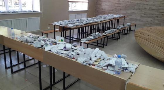 Более 90 тыс. мобильных телефонов и около 2 тыс. шпаргалок изъяли у выпускников на ЕНТ