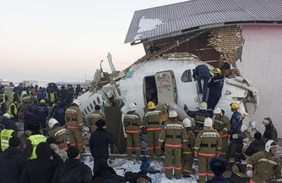 Крушение самолета в Алматы. Что известно спустя сутки
