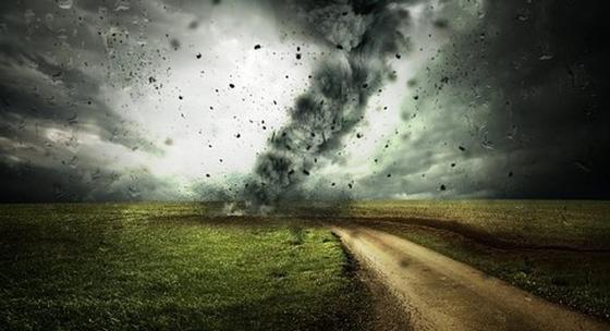 Пыльная буря, гроза и град: штормовое предупреждение объявлено в четырех областях Казахстана