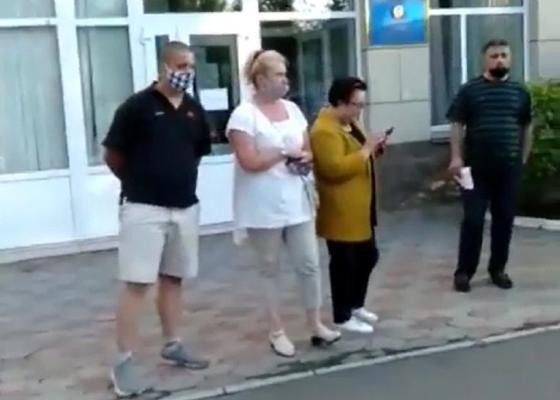 Забрали на границе: павлодарка не смогла получить медикаменты от сестры из Омска