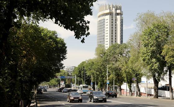 Ко второй волне пандемии готовятся в Алматы: в городе появятся новый госпиталь и морг
