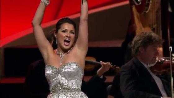 Анна Нетребко солирует в опере