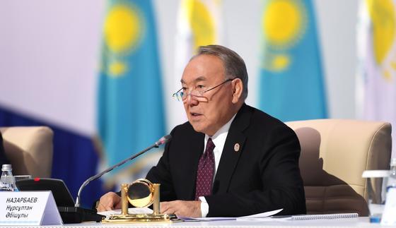 С кем Назарбаев встречался в Алматы