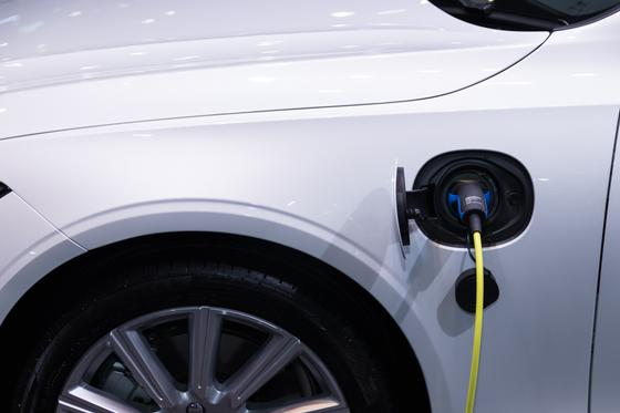 Машина, зарядка, электромобиль
