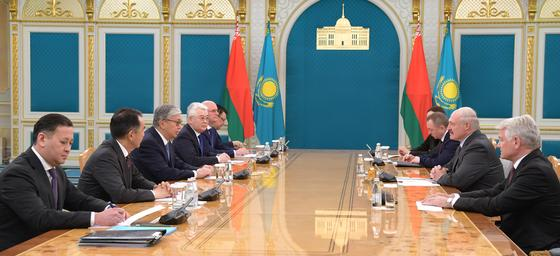Касым-Жомарт Токаев встретился с Александром Лукашенко (фото)