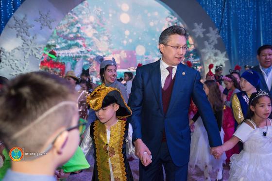 Президентская елка прошла в столице (фото)