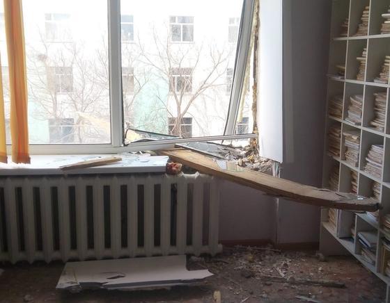 Город, как после бомбежки: последствия мощного урагана показали жители Акмолинской области