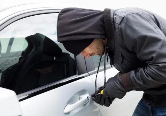 Пьяный парень без прав угнал машину в Усть-Каменогорске