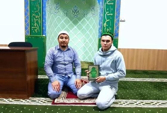 Русский парень из Шымкента принял ислам и собирается в хадж