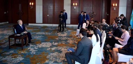 """""""Переговоры всегда проходят нелегко"""": Назарбаев рассказал о визите в Китай"""