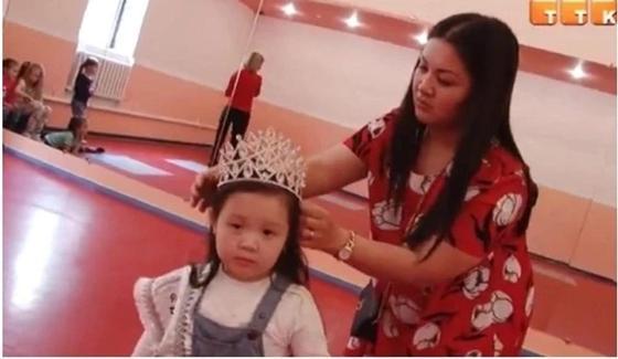 Трехлетняя жительница Темиртау представит нашу страну на международном конкурсе красоты