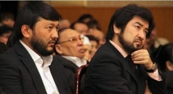 Мұхамеджан Тазабек және Бекболат Тілеухан. Фото желіден алынды