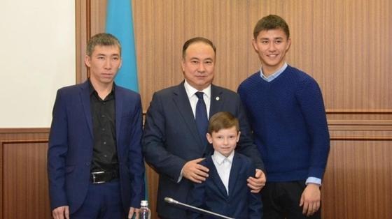 9-летнего мальчика, провалившегося под лед, спасли прохожие в Кокшетау
