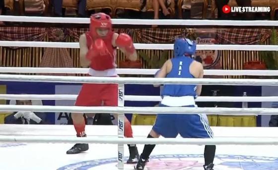"""Появилось видео боя казахстанской боксерши с вьетнамской """"соперницей"""", оказавшейся парнем"""