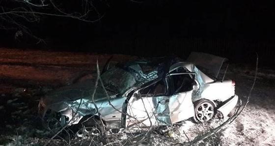 Mercedes перевернулся в Алматы: погибла девушка