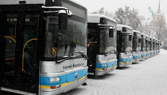 Алматинских перевозчиков наказали за плохую подготовку к зимнему сезону