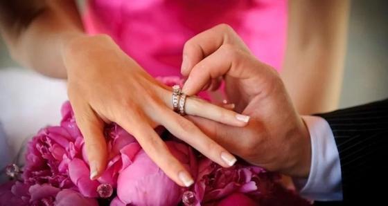 Жительница Актау выскочила замуж, бросив мужа и троих детей