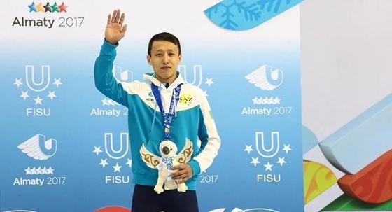 Олимпиада-2018: казахстанский шорт-трекист не прошел в полуфинал из-за падения