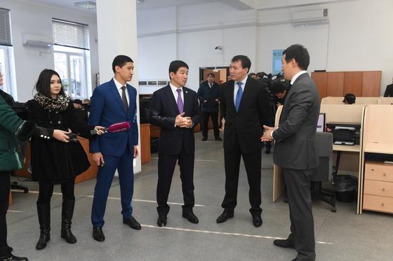 Цифровые решения по исключению коррупции показали Алику Шпекбаеву в Алматы