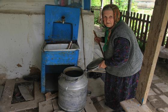 Люди умирают: Жители поселка в ЗКО задыхаются от сероводорода (видео)