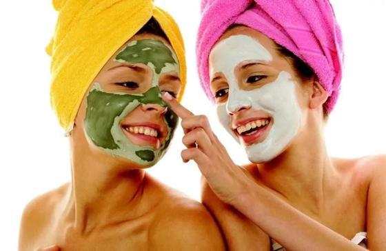 Питательная и увлажняющая маска для лица в домашних условиях