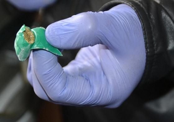Казахстанцам предлагали работать наркокурьерами