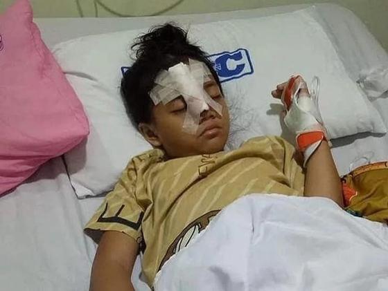 Восьмилетняя девочка напала на вооруженных бандитов, ограбивших ее папу (видео)
