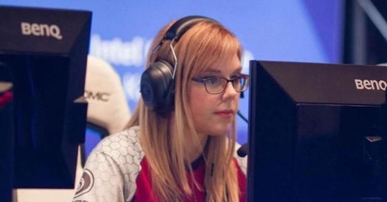Самые известные и соблазнительные девушки-геймеры