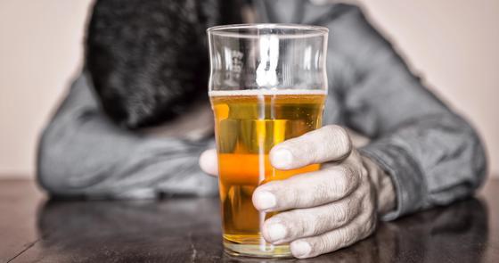 Казахстанцы стали больше пить: продажи алкоголя выросли на треть